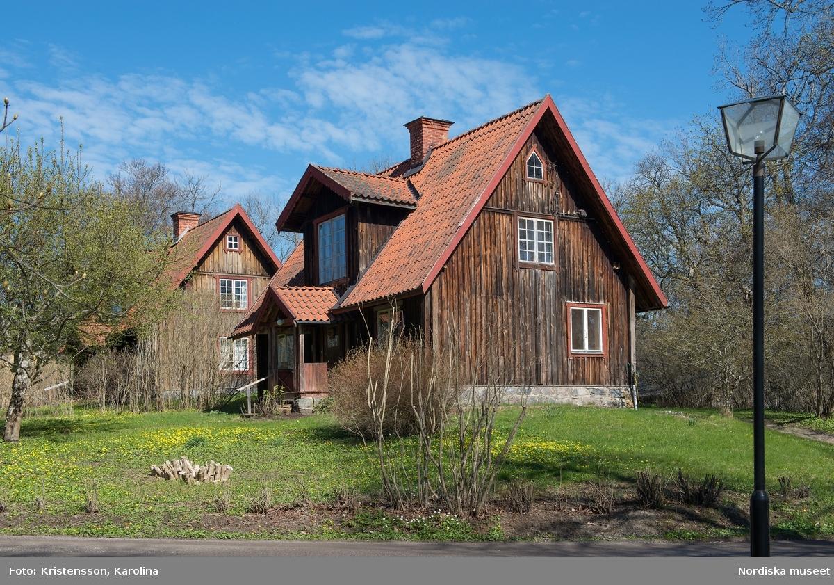 Tyresö slott, hus i parken