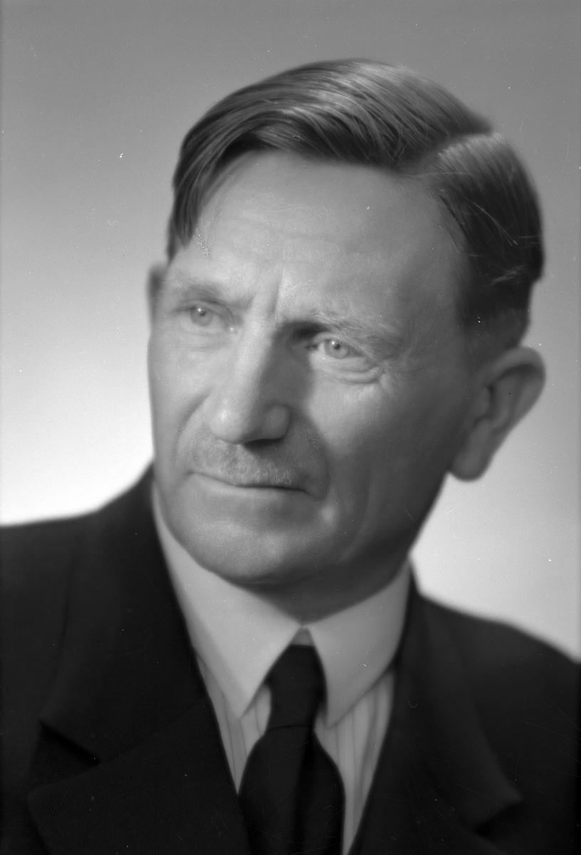 Herr E. Sundbom, Gårdskär. 9 april 1945.