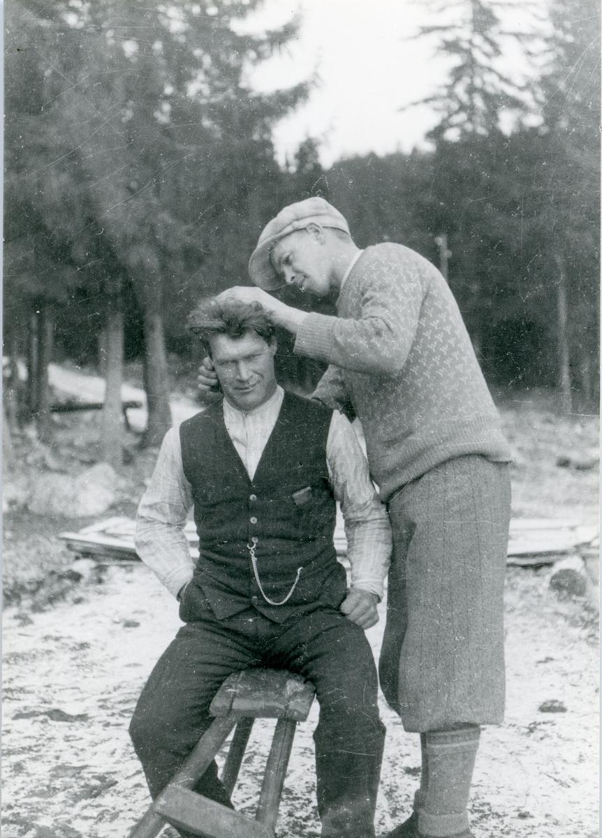 Even Erstadbråten sammen med svogeren Nyhagen.