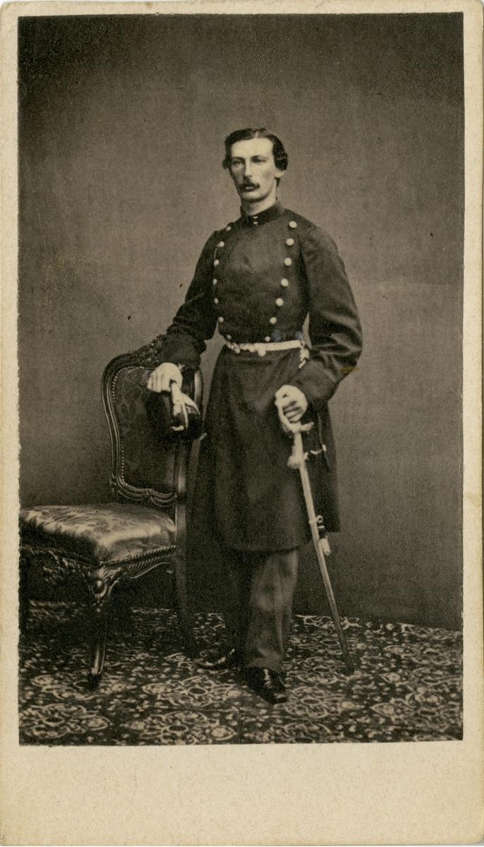 Porträtt av Olof Birger Rydholm, löjtnant vid Bohusläns regemente I 17.