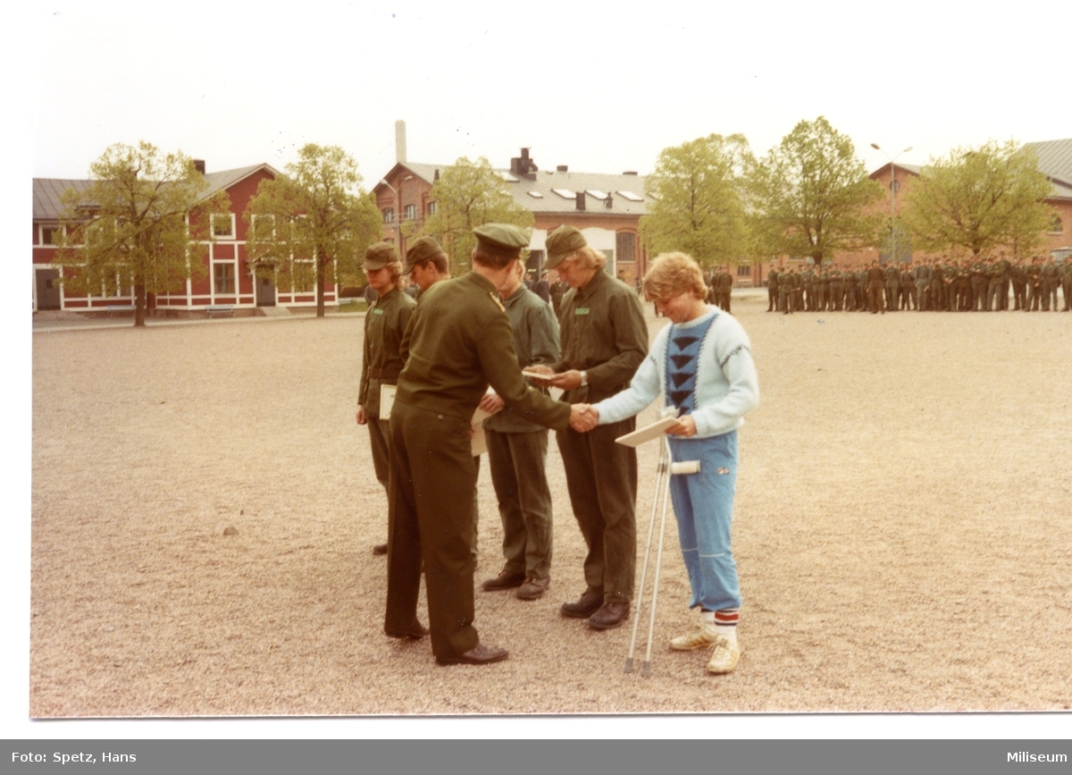 Prisutdelning, A 6. Överste Lars Carlson. Vpl. 5 komp.