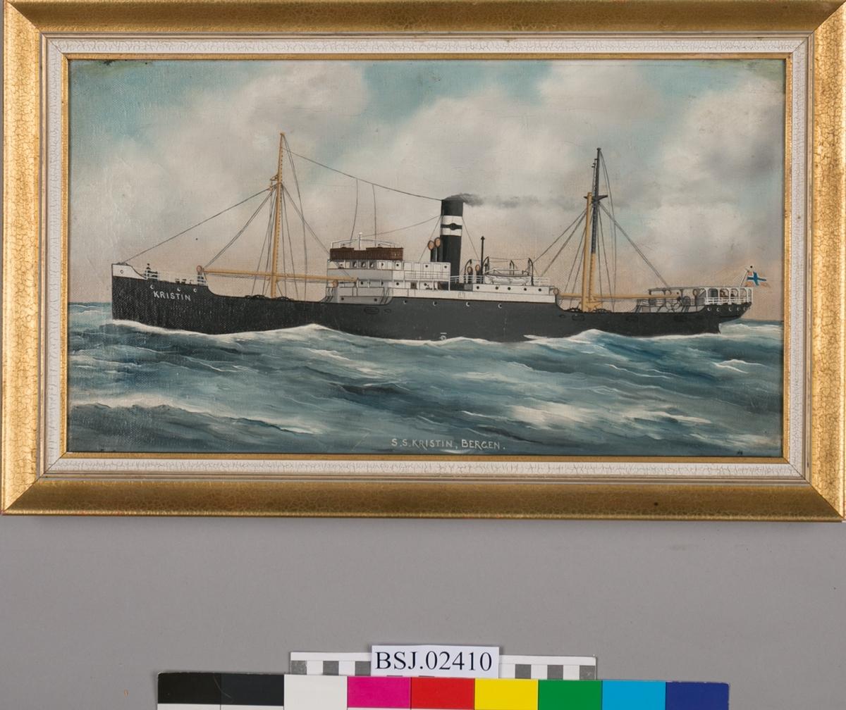 Skipsportrett av dampskip KRISTIN under fart i åpen sjø.