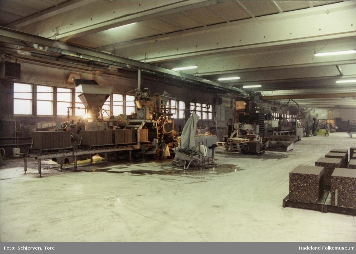 Jaren Cementvarefabrikk, produksjon av heller