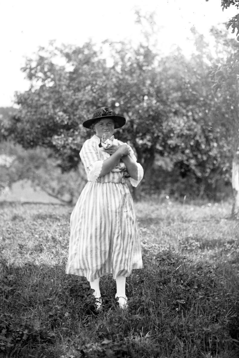 Annie Larsson, Åsmundshyttan
