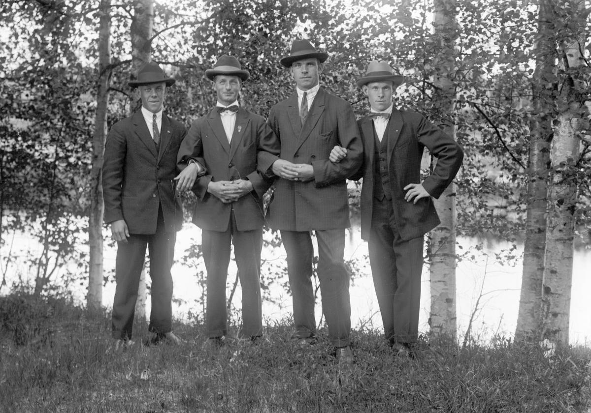 Fyra unga män
