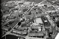 Flygvy över Vasastaden med Katedralskolan i centrum.År 1912
