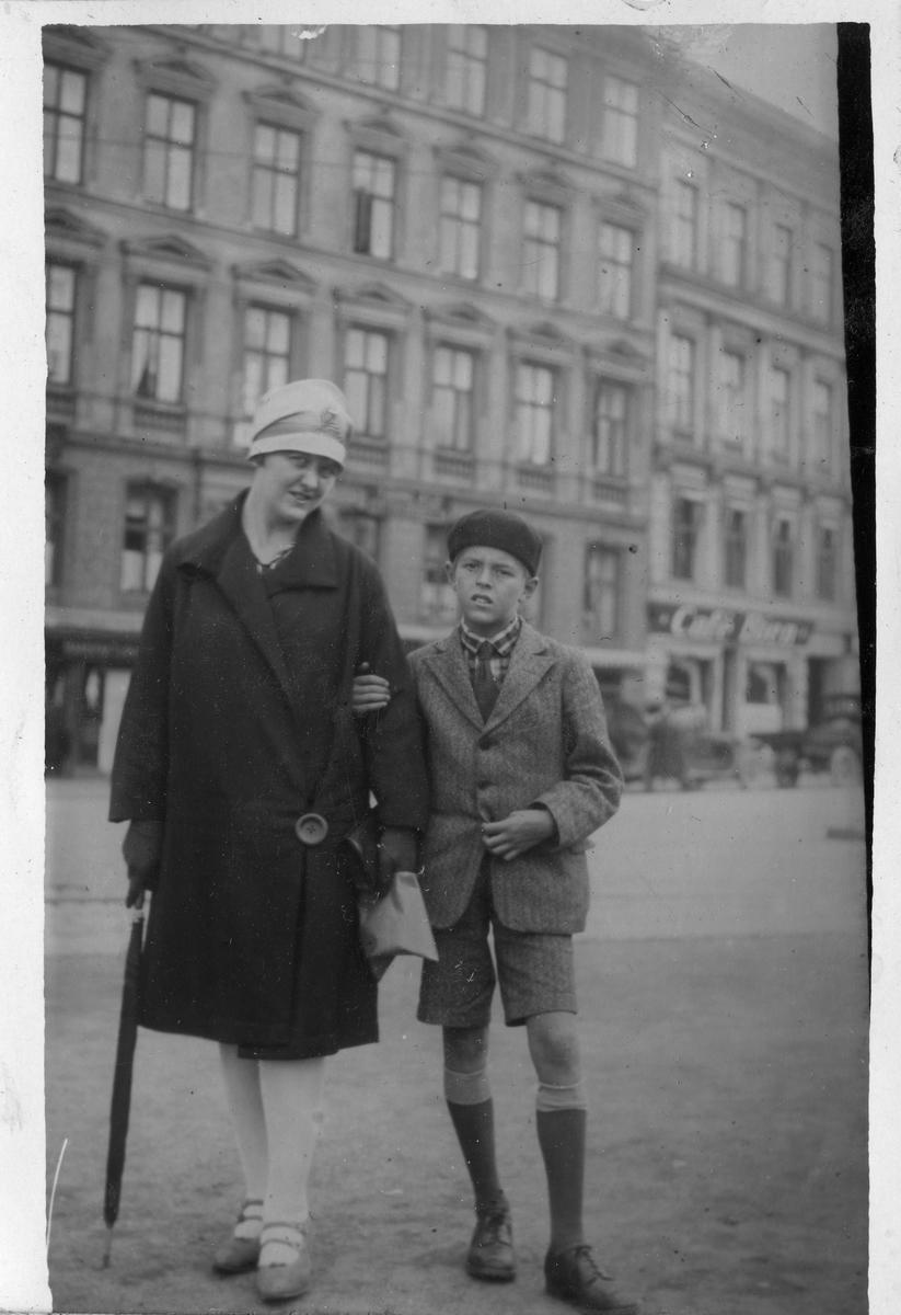 """Bildetekst: """"Hr.Christian jnr. på Tordenskjoldsgade Oslo, Påsken 1928"""""""