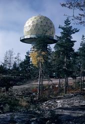 Exteriör av radarstation PS-810F vid Getsjötorp i Kolmården,