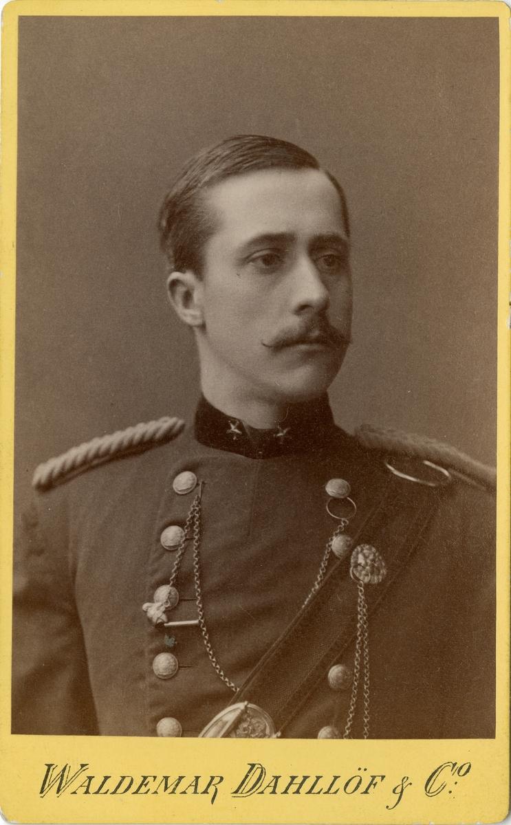 Porträtt av okänd underlöjtnant vid fältjägarregemente.