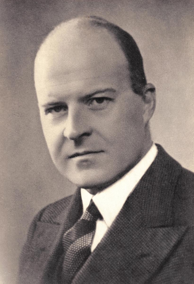 Portrett av jurist  Ragnar Knoph