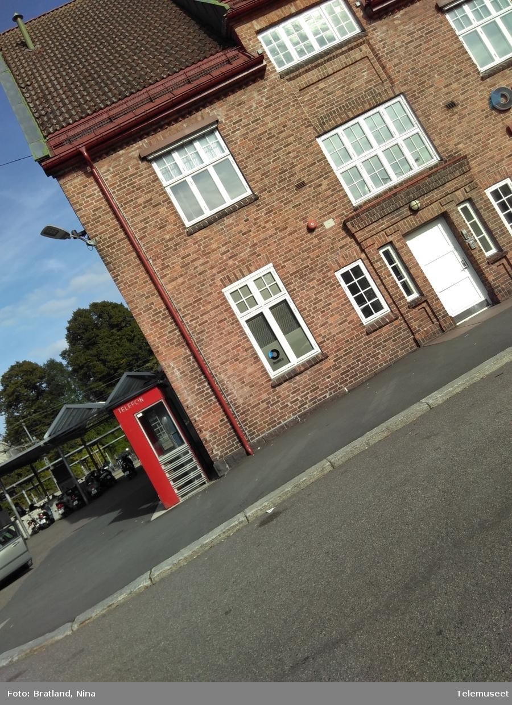 Telefonkiosker på jernbanestasjonen i Tønsberg