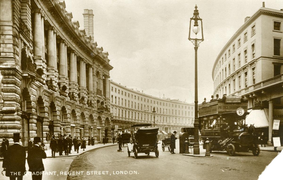 Postkort med motiv fra The Quadrant, Regent Street, London.