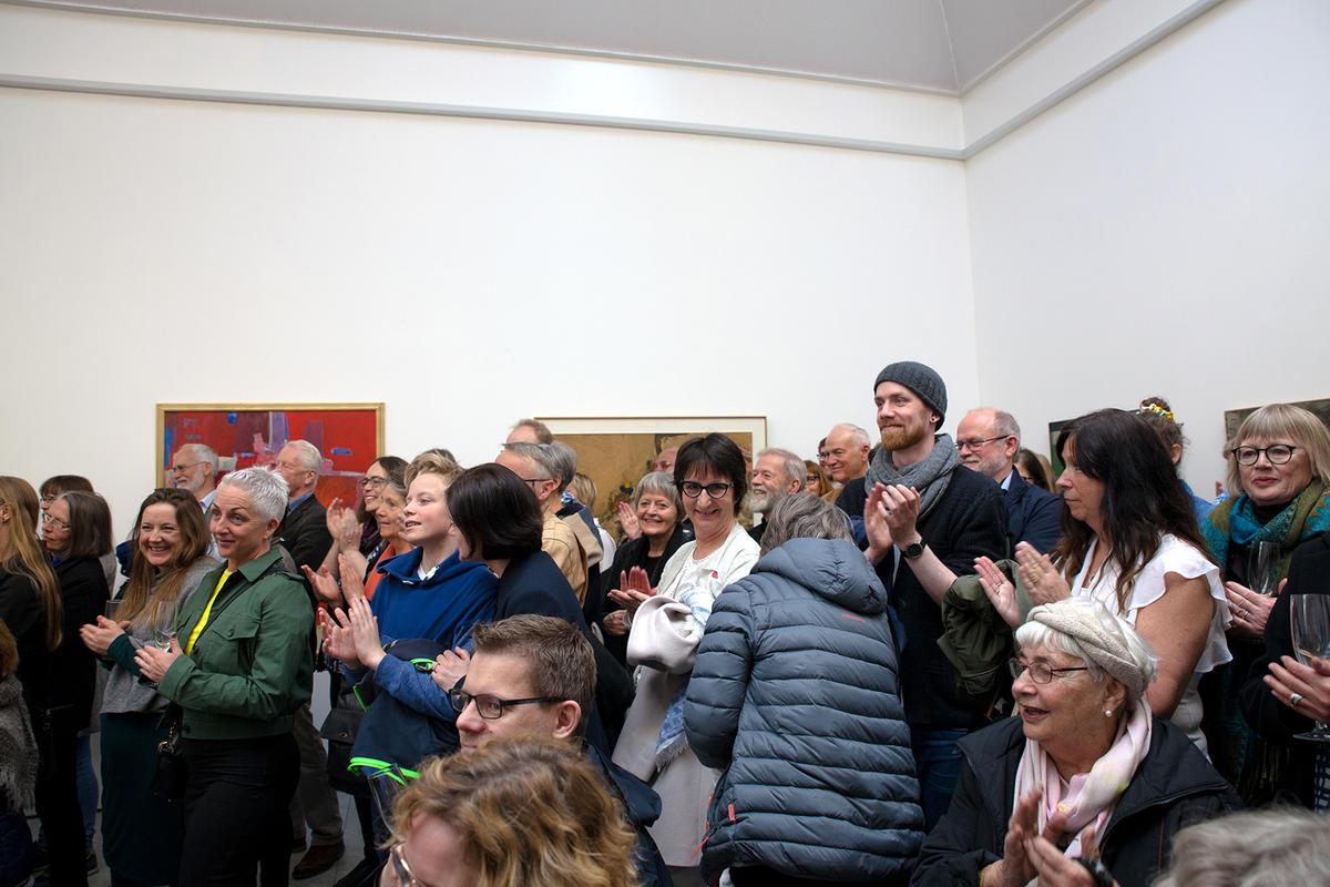 """Fra åpningen av """"Gruppe 5 - Kunsten å bygge et bilde"""" lørdag 6. mai. Foto: TKM/Anita Wold Lande."""