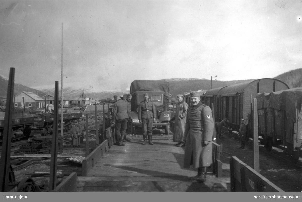 Lossing av vogner på Mosjøen stasjon under 2. verdenskrig