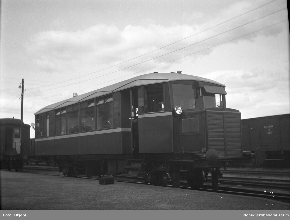 Motorvogn litra Cmb type 13 nr. 18218 som ny