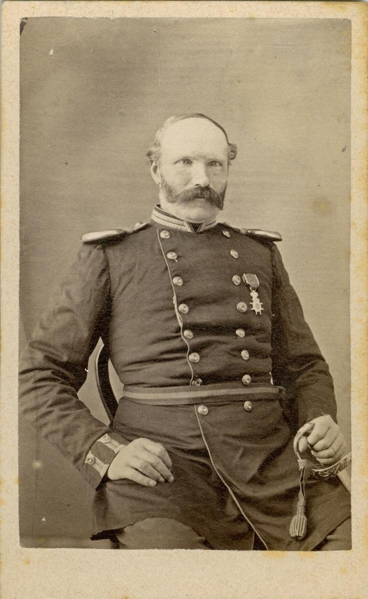 Porträtt av okänd officer vid Närkes regemente.