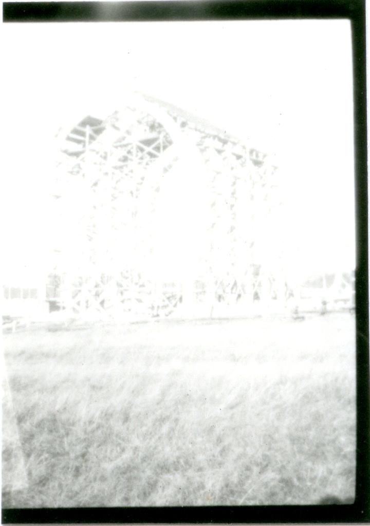 Ballonghallen under byggnad, sex bågar resta.