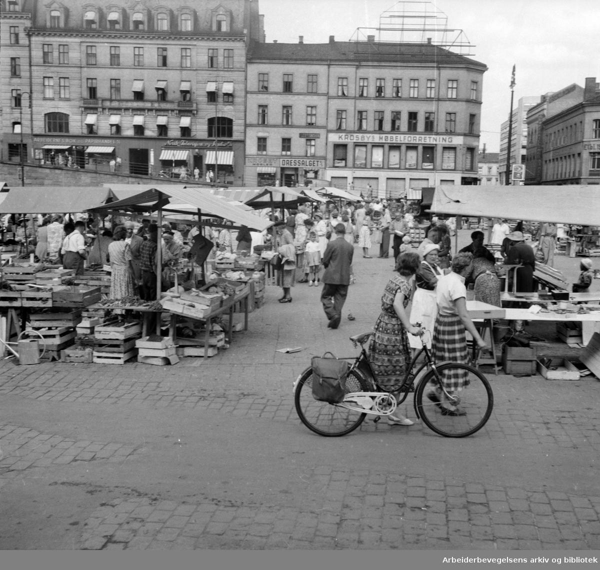 Torghandel på Youngstorget, 1953