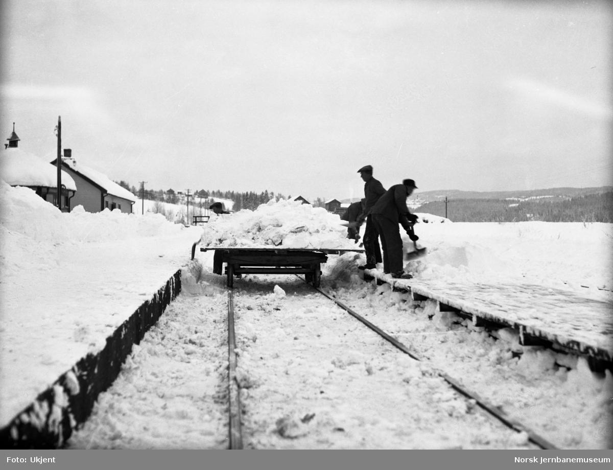 Snørydding på Grindvoll stasjon