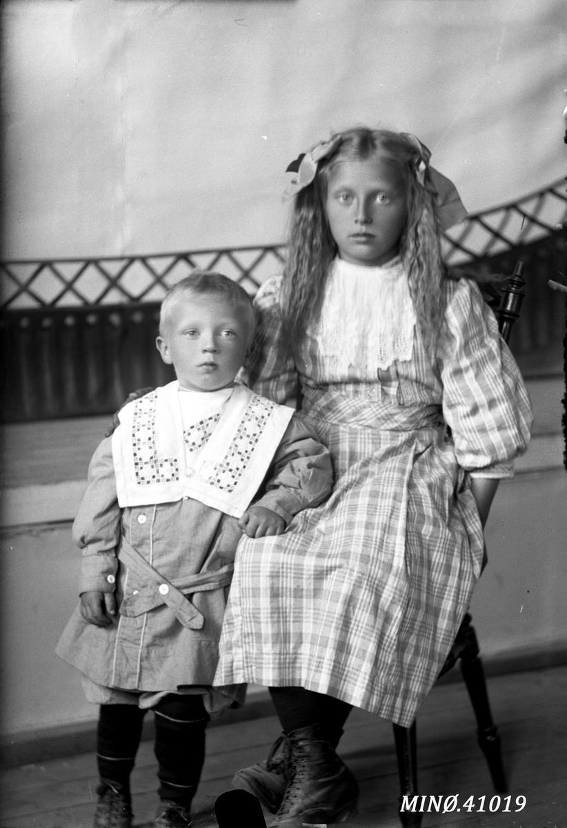 Portrett av to barn - Adolf Hansens barn