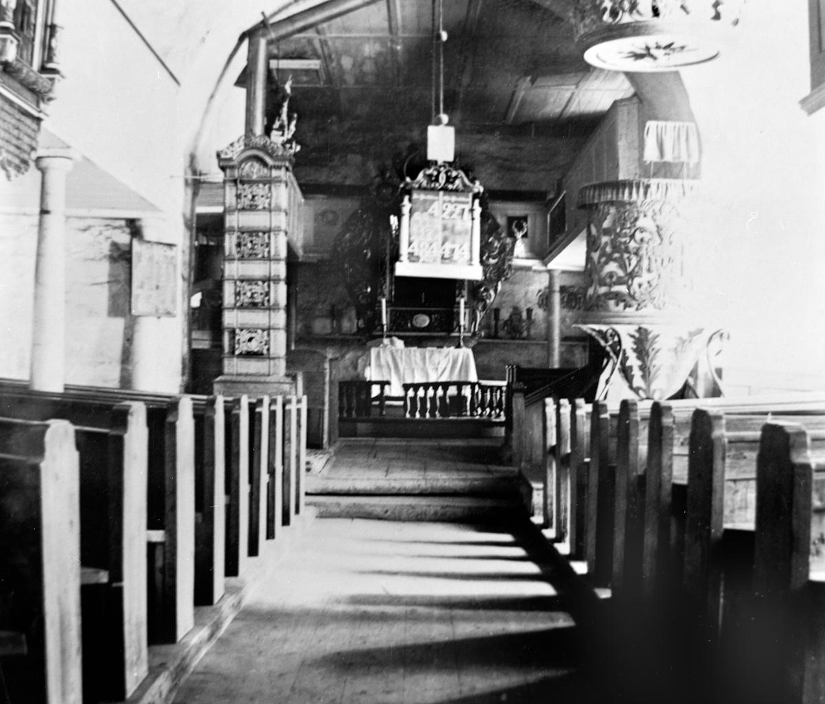 Trøgstad kirke, interiør.
