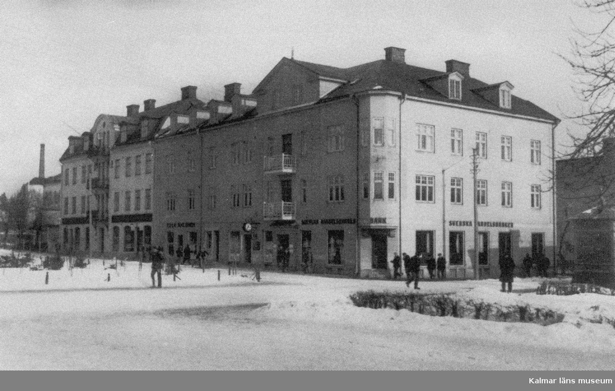 Dunderbergsgatan, Storgatan. Dessa bilder är tryckta i almanackor utgivna av Nybro Hembygdsförening. De är inte till salu genom KLM, men vi väljer att visa dem då vi har få bilder från det Nybro var en gång.