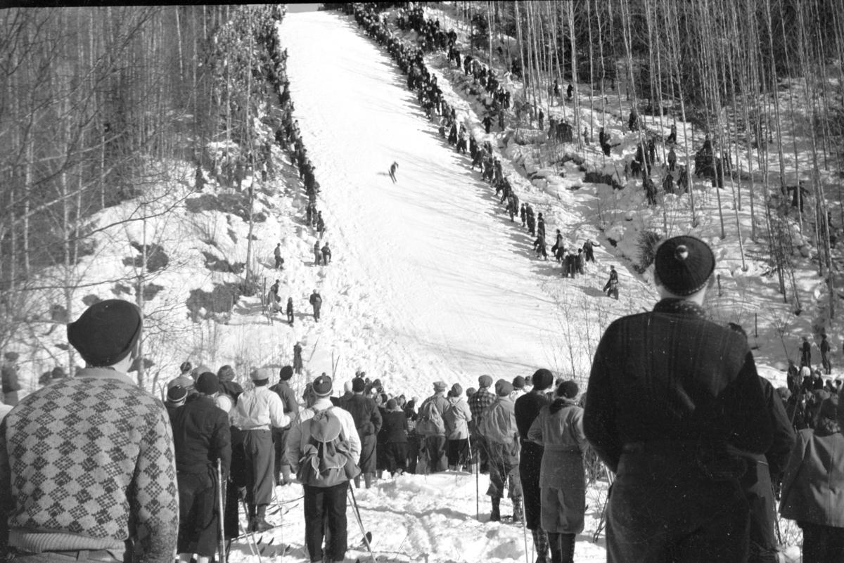 Gjørsliberget, Vang H. illegalt skirenn, hopprenn under krigen, jøssingrenn, 2. verdenskrig.