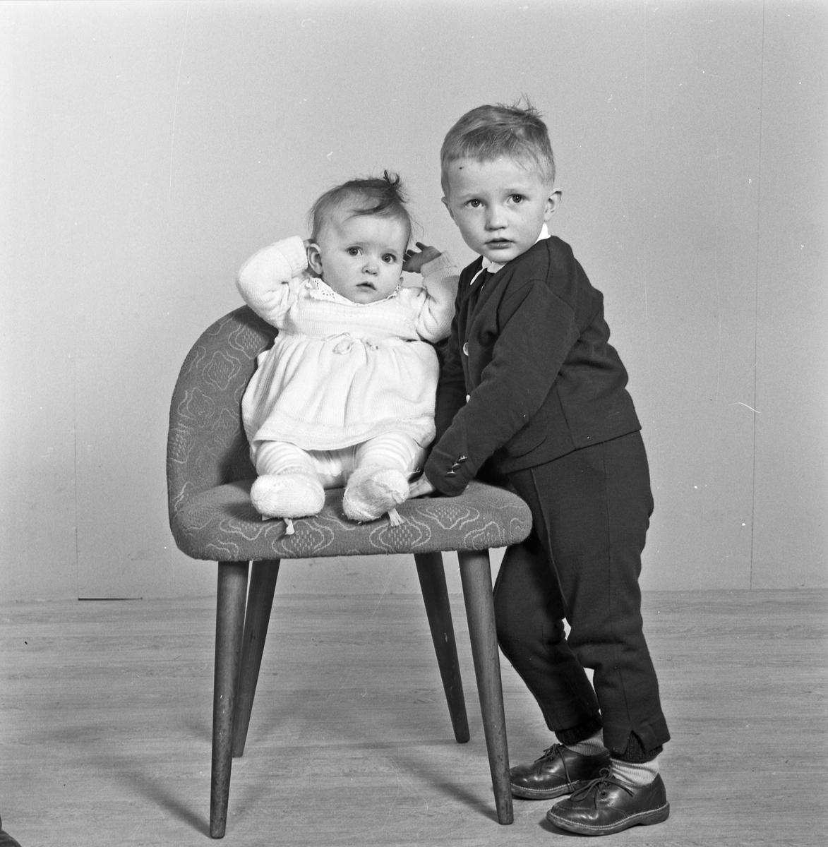 Portrett spebarn og ung gutt - bestiller Kurt Kristoffersen