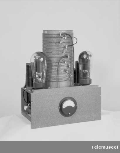 Skibssender, nødsender type 2-SS-50, Elektrisk Bureau.