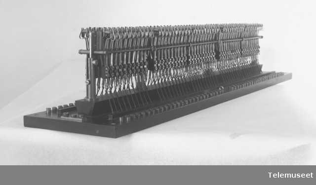 Kullynavleder med smeltespoler, for 100 d.lj. 18.8.13 Elektrisk Bureau.
