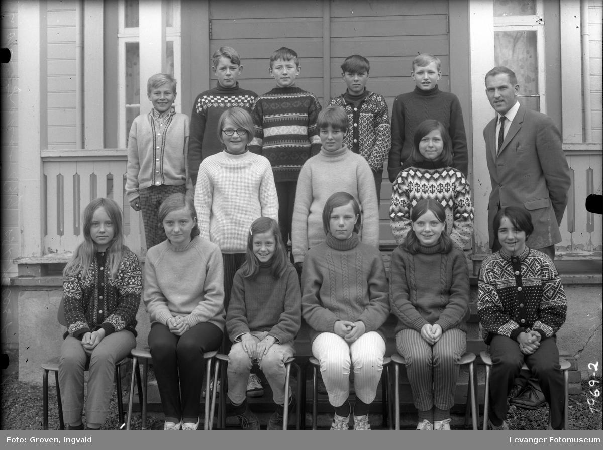 Skolebilde fra folkeskole, Stiklesatd skole.