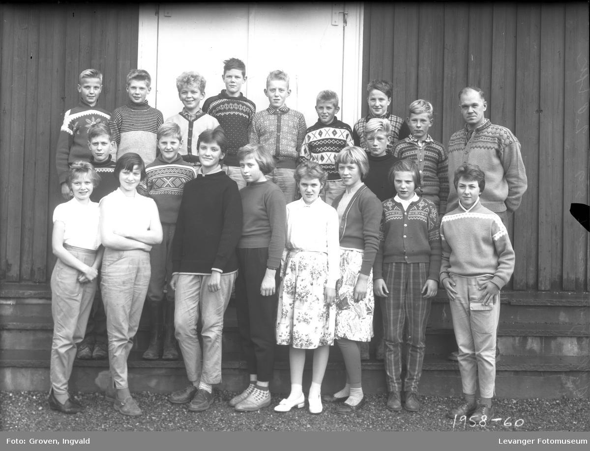Skolebilde fra folkeskolen Solhaug skole i Åsenfjord.