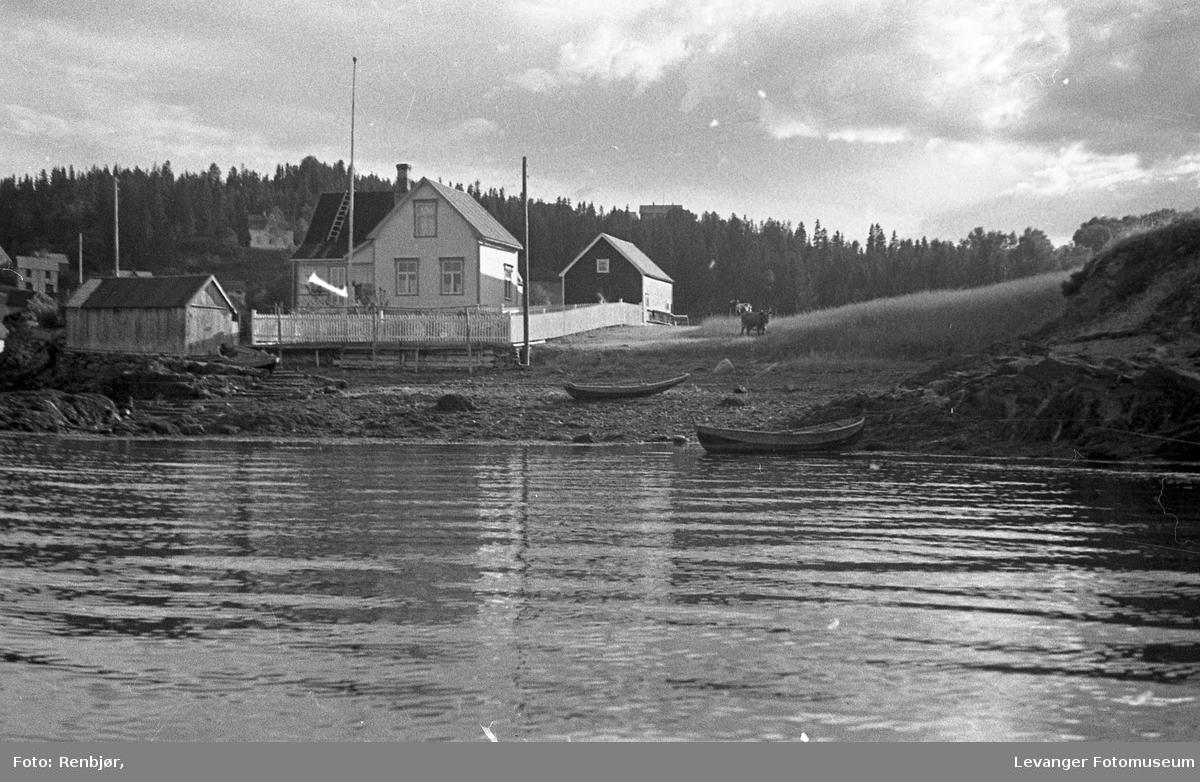 Levangersundet. Hus og heim på Nesset.
