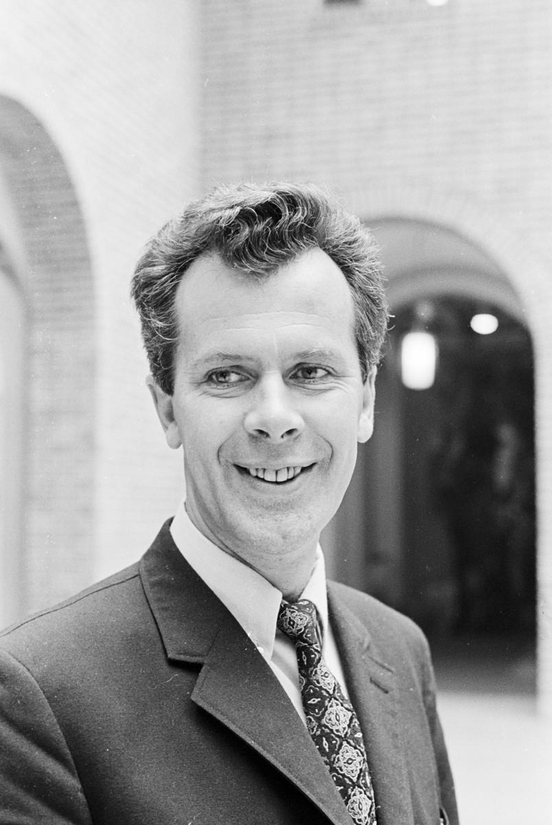 Portrett av pressemanen og politikeren Erling Johannes Nordvik