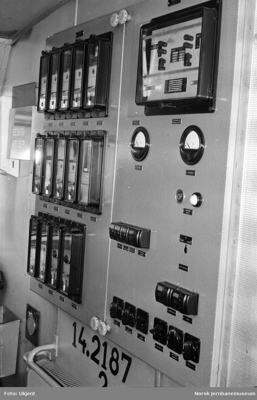 Elektrisk lokomotiv El 14, førerrom, bakvegg
