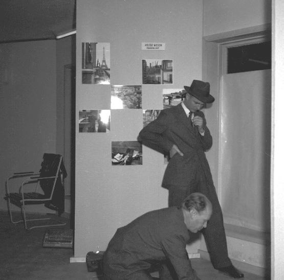 Skara. Skara fotoklubbs jubileums-utställning i f. d. Josef Johanssons bilförsäljnings lokaler. 4-11 november 1959. 15-års jubileum.