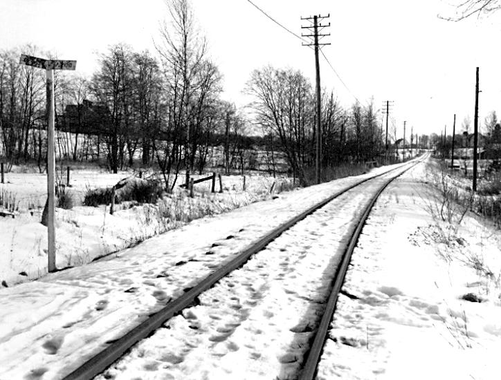 Bildtext: Hjo-banan vid Stenstorp, år 1965.