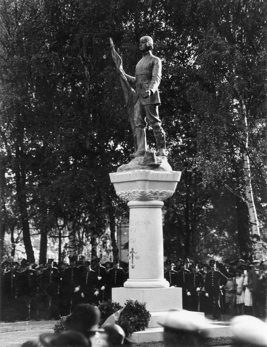 Gävle stad – Väster, Kvarnparken. Avtäckningstillfället av Gustaf Wasa-statyn 30 Aug 1924. Vid hötidligheten lästes en prolog, författad av Karl Hedlund.