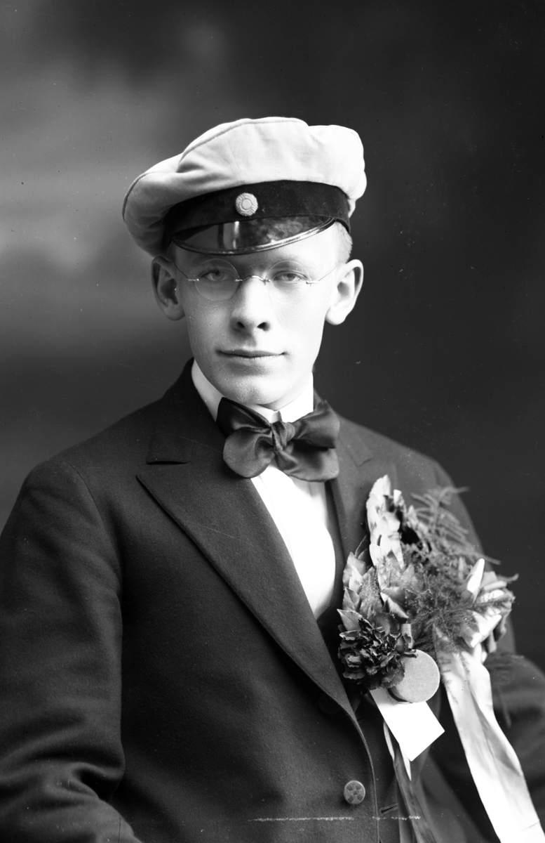 Waldemar Gyllander, Helgögatan 7, Gävle