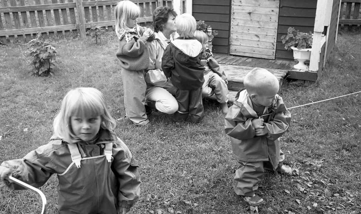 Barn i förskolan, Västbyggeby, Valbo. 1993