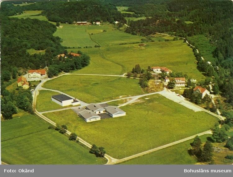 """Enligt Bengt Lundins noteringar: """"Flygfoto över Restenässkolan""""."""