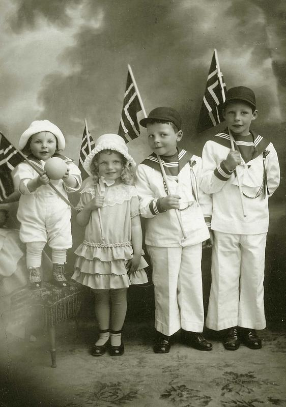 Jødiske barn feirer 17. mai. Moss, 1925