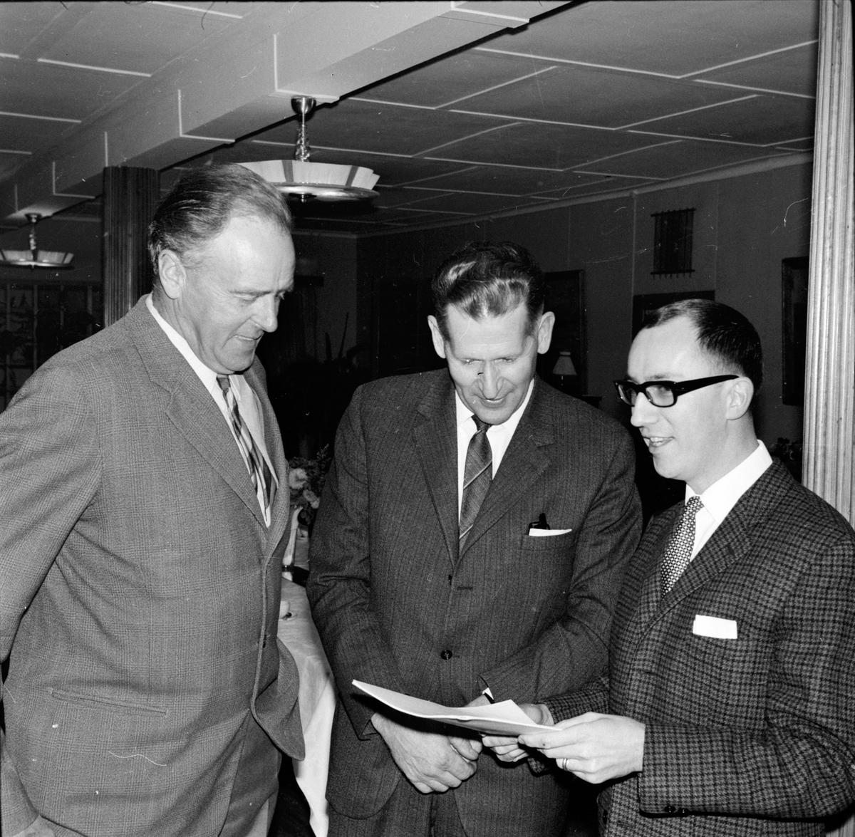 Arbrå, Skifte på komm.ordf.posten, Emil Jonsson går, Eric L Ericsson kommer, 18 December 1967