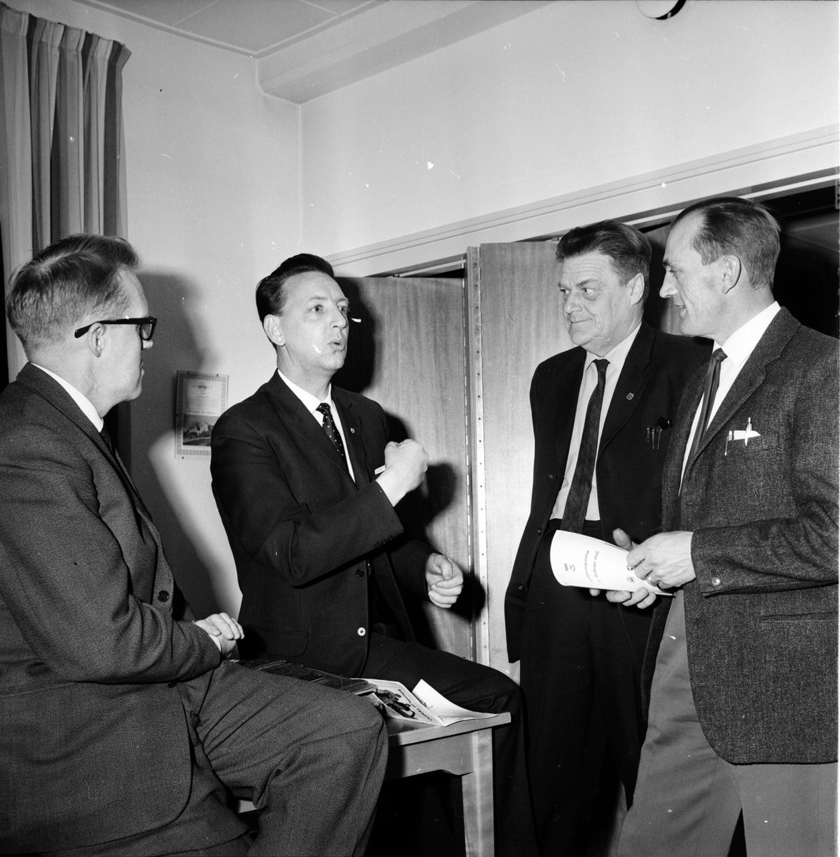 Trafikmöte i Bollnäs, Grenholm, Jegerfalk, Bergman, Sundström, 8 Mars 1966