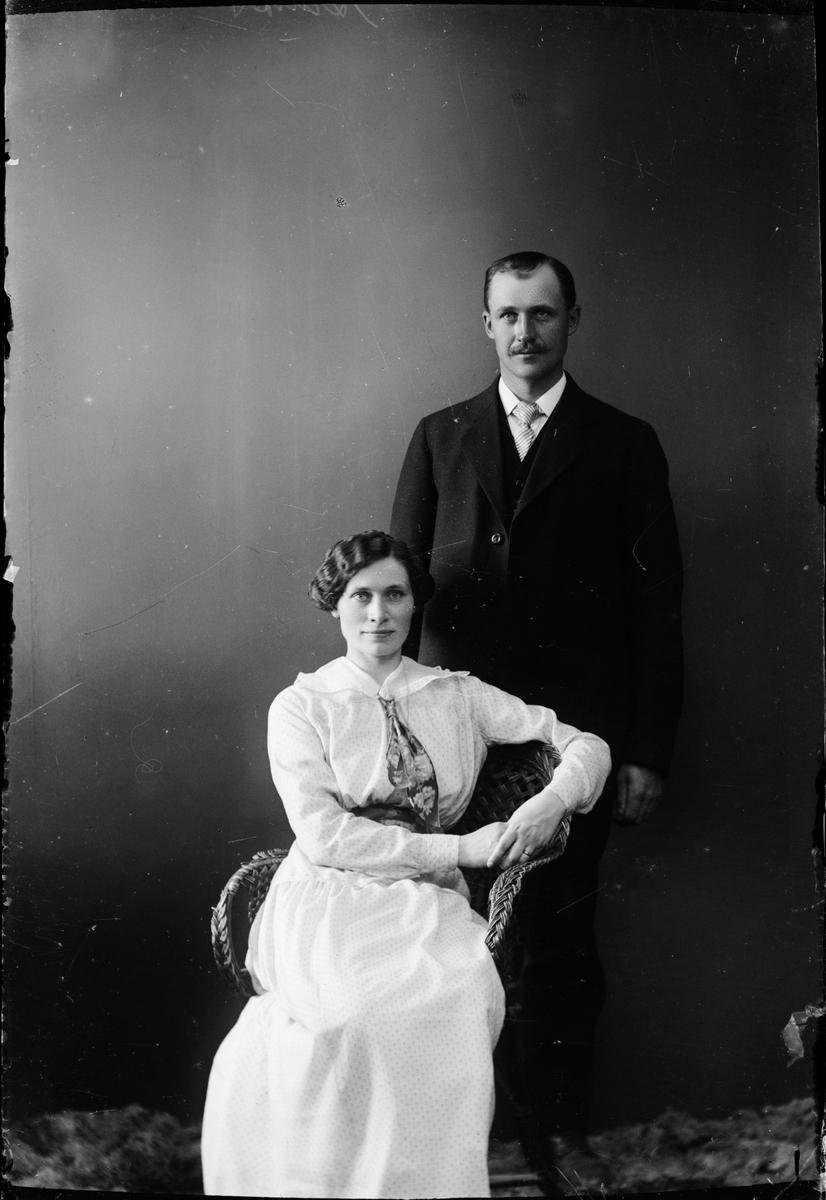 Man och kvinna, Östhammar, Uppland