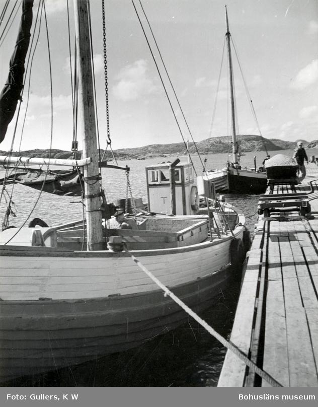 Lastning av stenprodukter på båtar