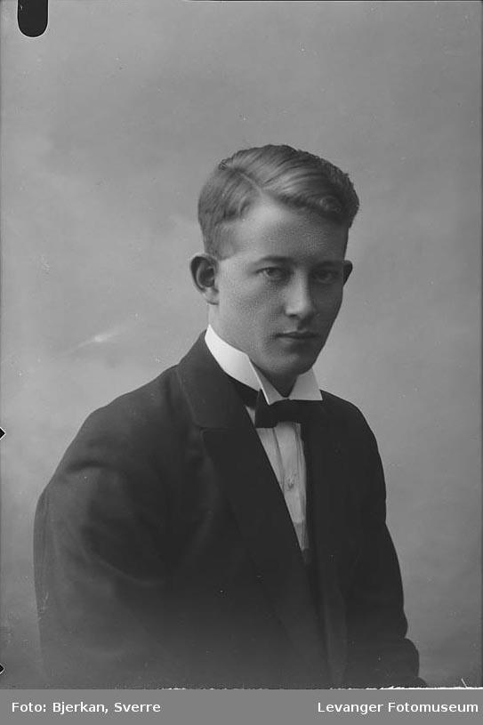 Portrett av R. Snildal.