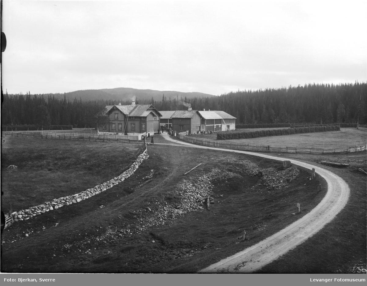 Gårdsbruket og fjellstua Sandvika nær Svenskegrensa.