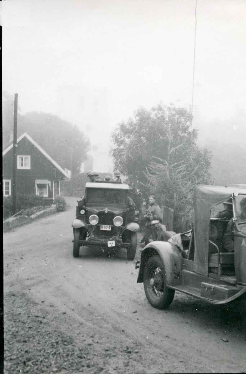 Rekognoseringsbil och lastbil. Skånemanövern, Glimåkra.