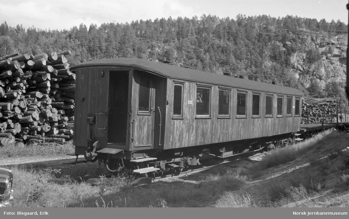 Personvogn litra Co nr. 333 på Grovane